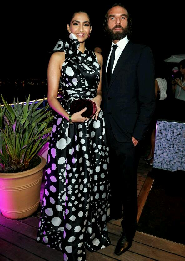 Sonam Kapoor in a black and white Naeem Khan gown on Day 8 of Cannes 2012