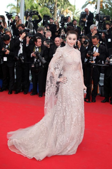 Today's Premiere Diva: Fan Bingbing wows the crowd in Elie Saab Couture