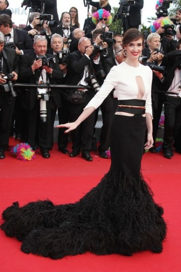Paz Vega is a vision in Stéphane Rolland on Day 3 of the Cannes Film Festival